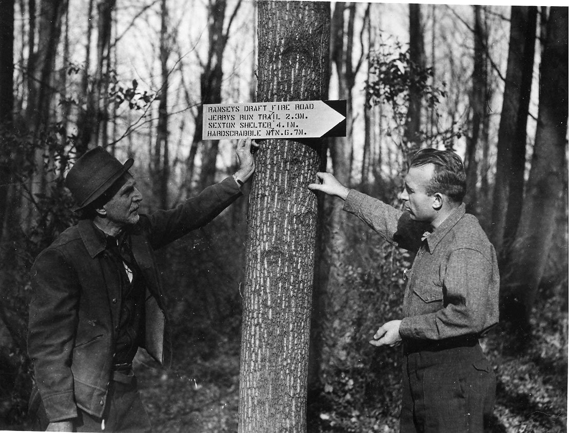 Myron Avery discussing marker (Courtesy of the Appalachian Trail Conservancy)